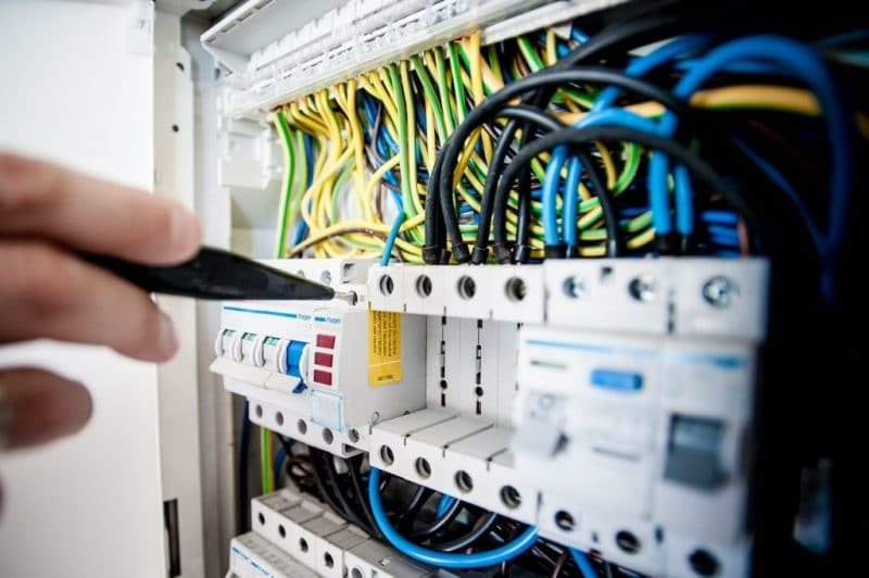 Normes d'électricité