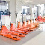 Quels sont les principaux équipements utilisés par les professionnels de la manutention?