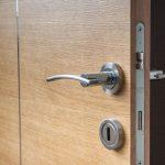 Tutoriel  : Comment démonter une poignée de porte ?